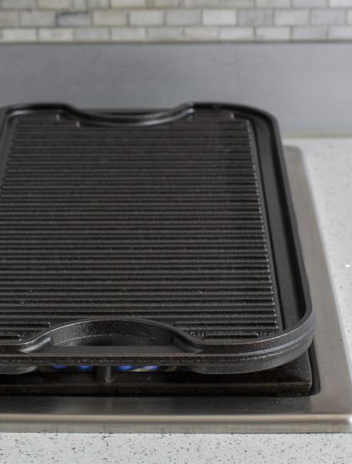 Lodge LPGI3 Pro-Grid Cast Iron Reversible 20 x 10.44 Grill//Griddle Pan with Easy-Grip Handles 10.5 x 20 Lodge Logic